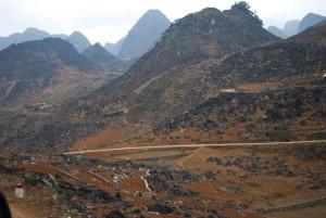 piton rocheux route de yen minh vietnam