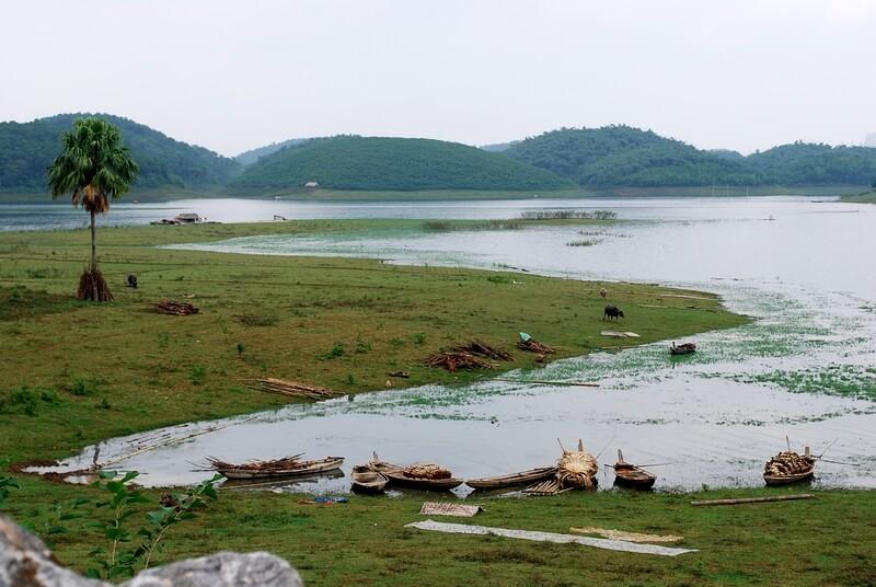 lac-Thac-Ba vietnam avec enfants