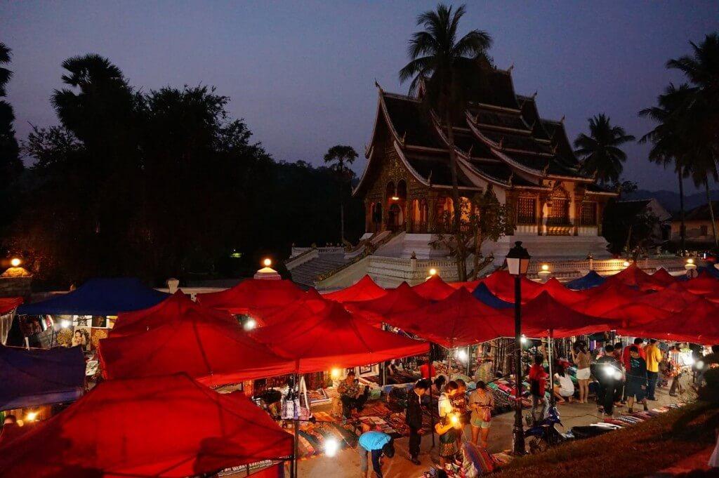 marche de nuit Luang Prabang
