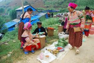 Ethnies marché de Can Cau