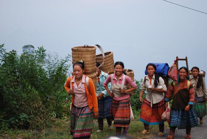 femmes Hmongs route de Coc Ly