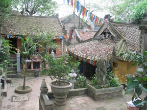 pagode du maitre - hien Phuc Tu