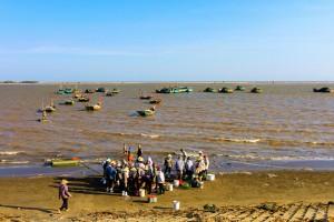 pêcheurs du  delta du fleuve rouge